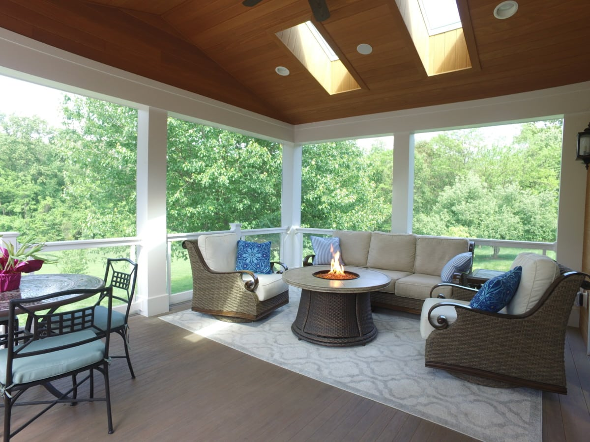 Bring the Outdoors in with These Fresh Screened-In Porch Interior Design Ideas